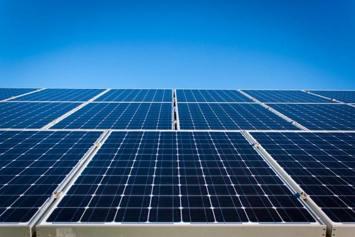 Comment choisir un panneau solaire photovoltaïque