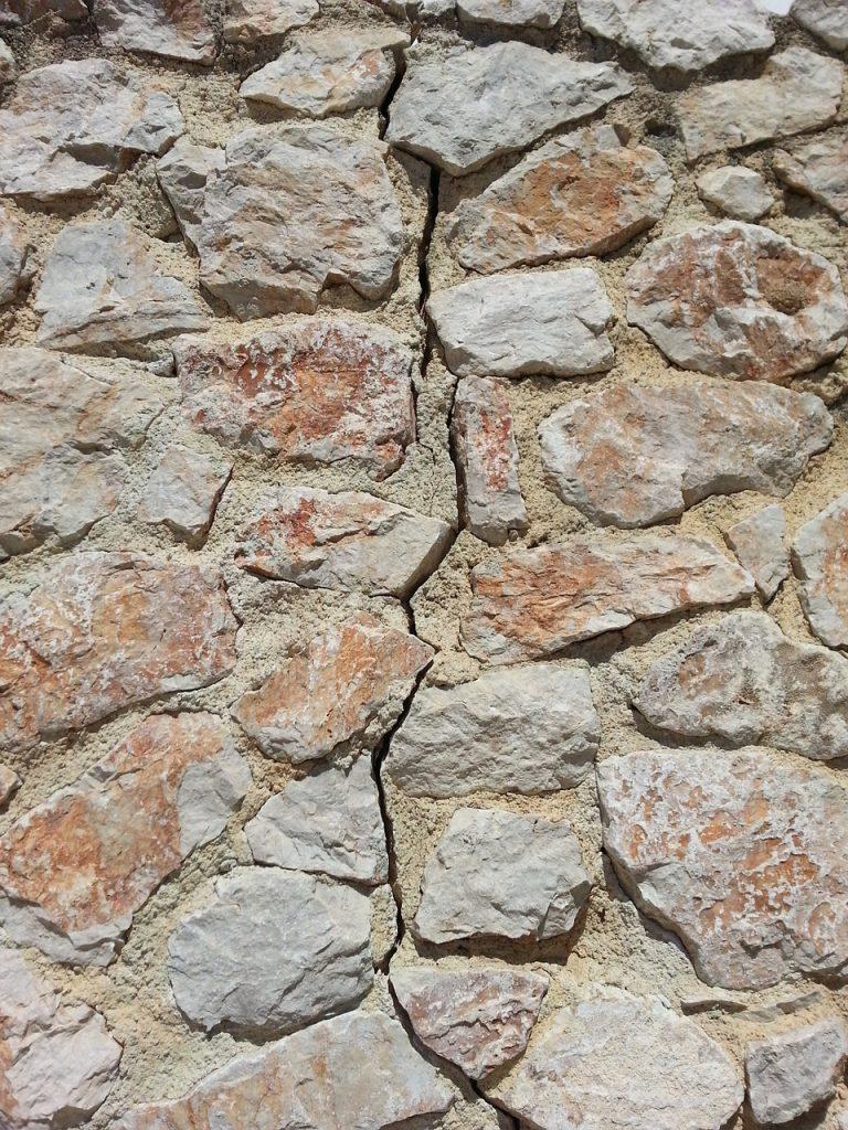 seisme-pierre