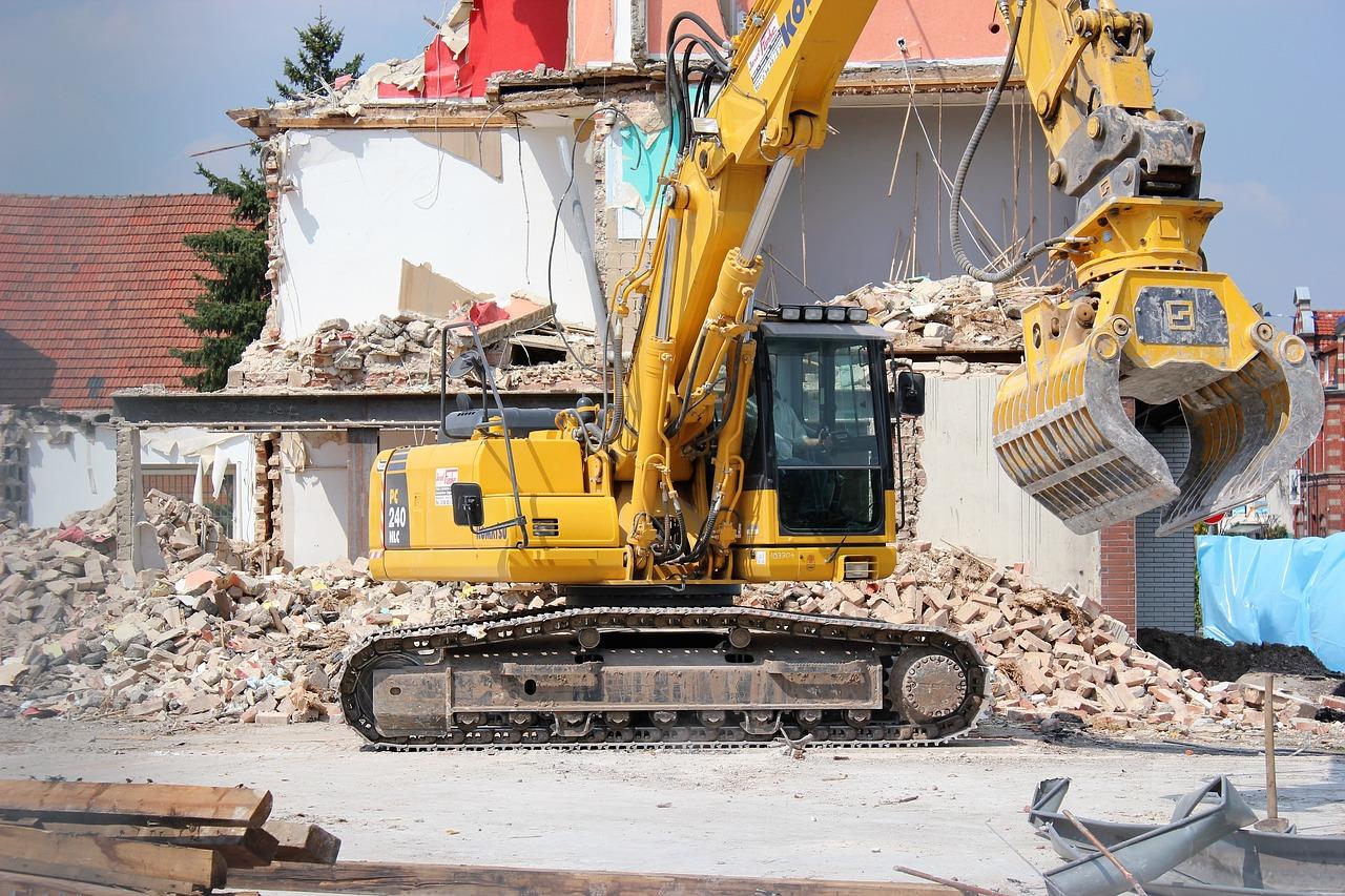 Quel est la différence entre démolition et déconstruction