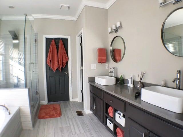 Plancher stratifié sol salle de bain
