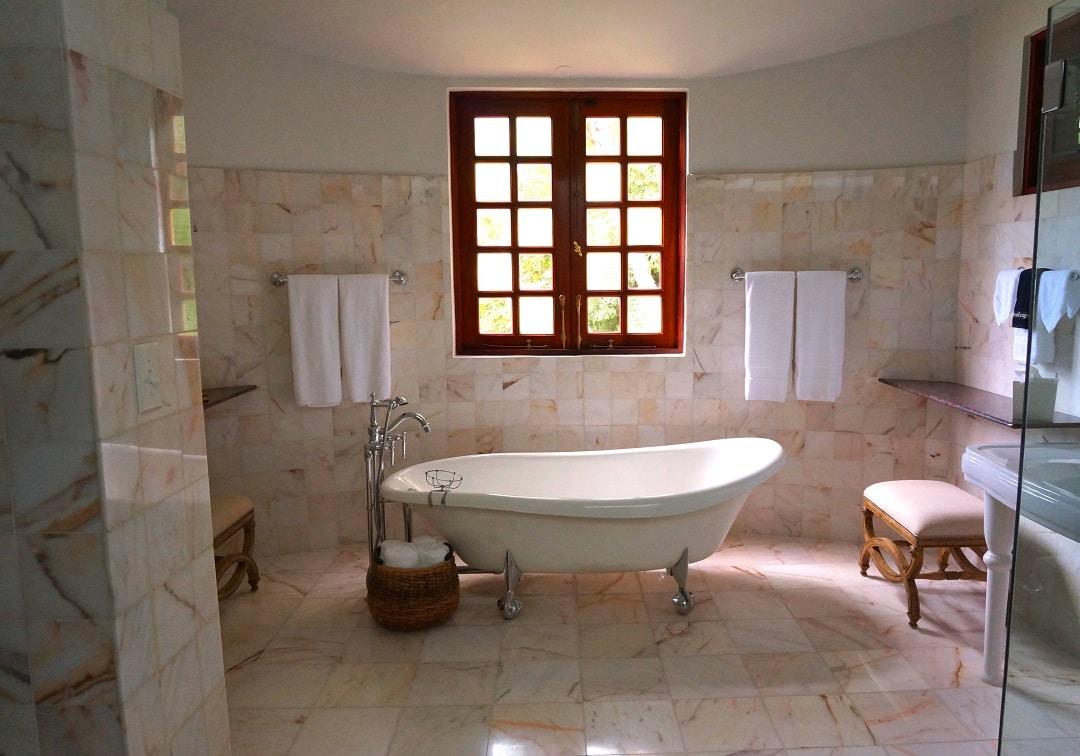Salle De Bain Revetement sol de salle de bain : quel revêtement choisir ?