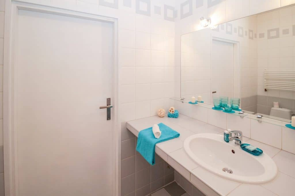 eclairage LED miroir salle de bain