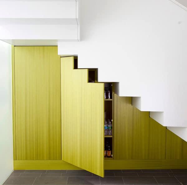 Placard garde-manger escalier