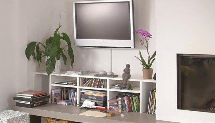 television fixer au mur goulotte cables