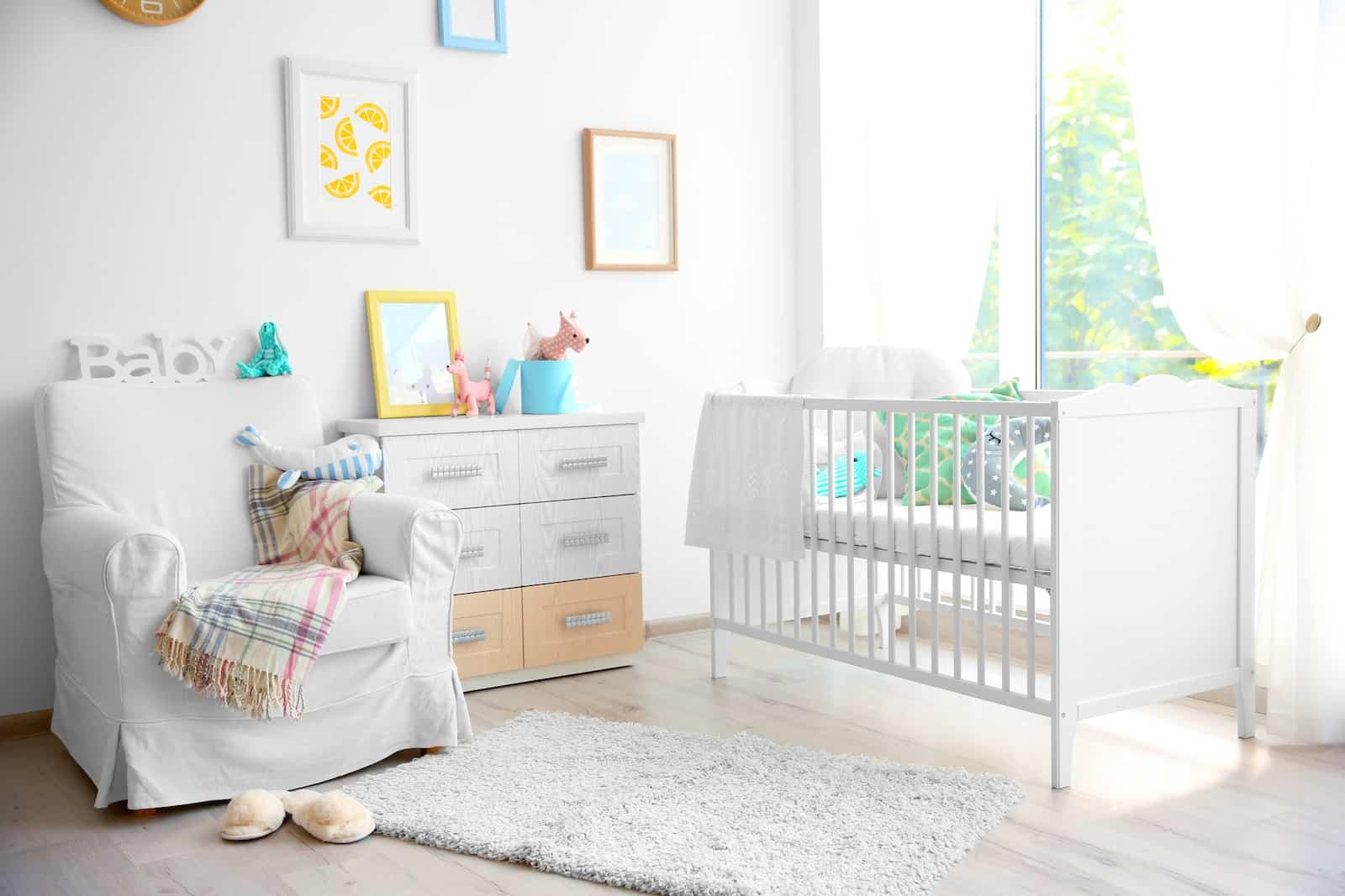 disposition des meubles dans la chambre de bébé