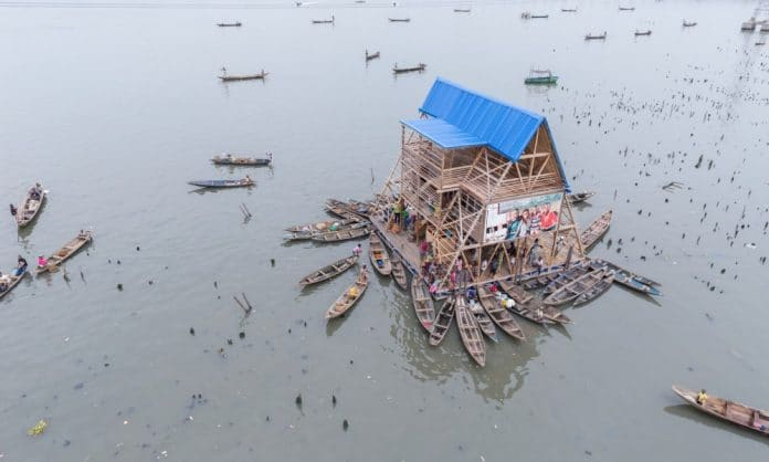 Ecole flottante de Lagos