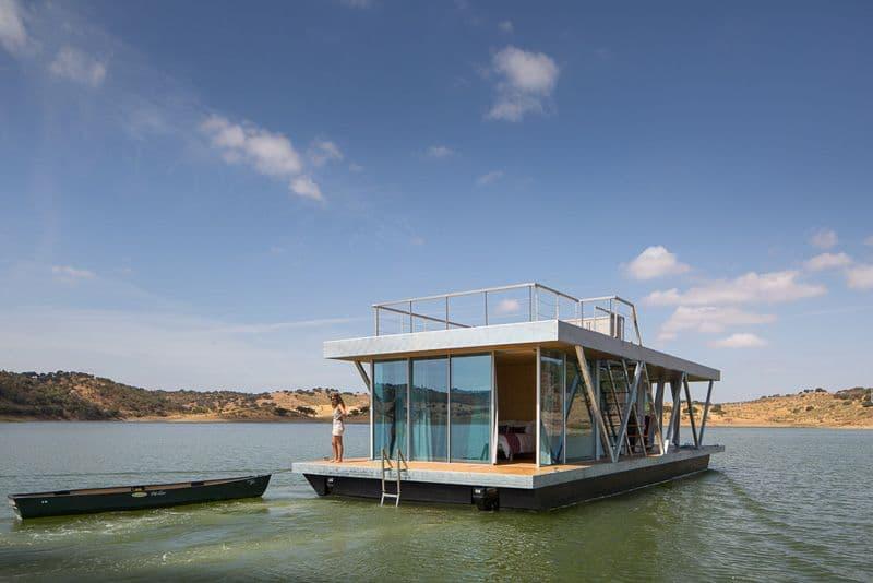 Maison flottante defintion