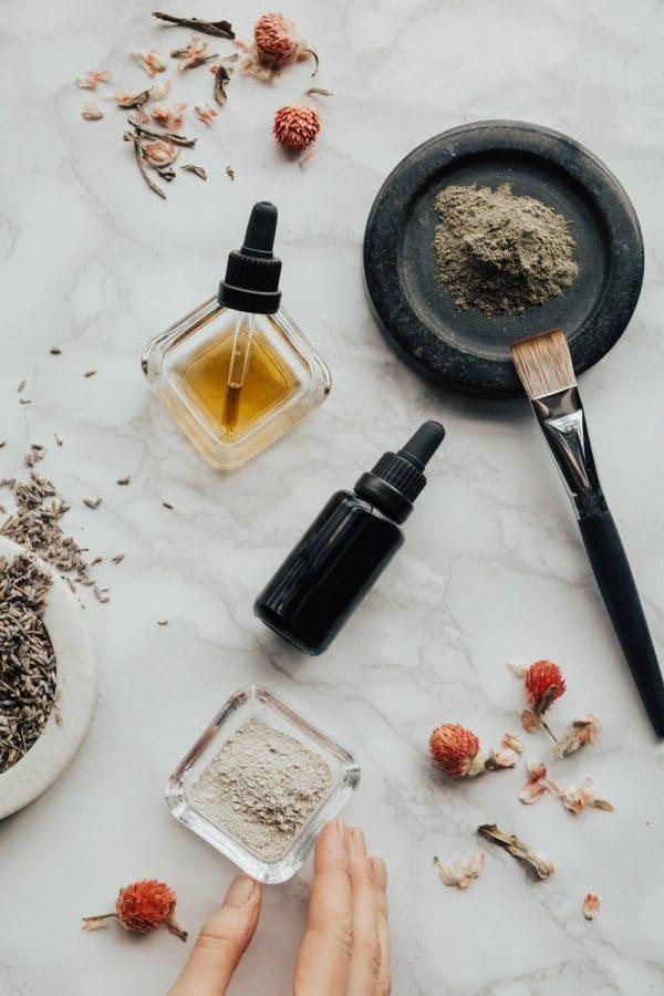 huile essentielle repousser mouche naturellement