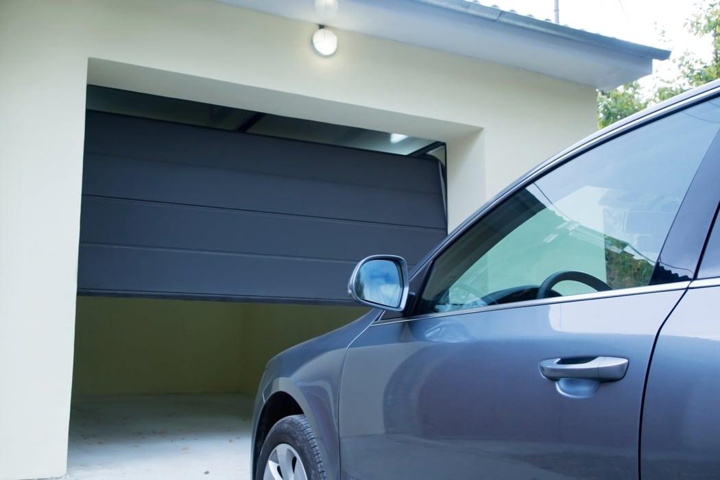 Choix esthétique, sécurité, isolation... Autant de paramètres à prendre en compte. On vous dit tout sur le choix d'une porte de garage sectionnelle.
