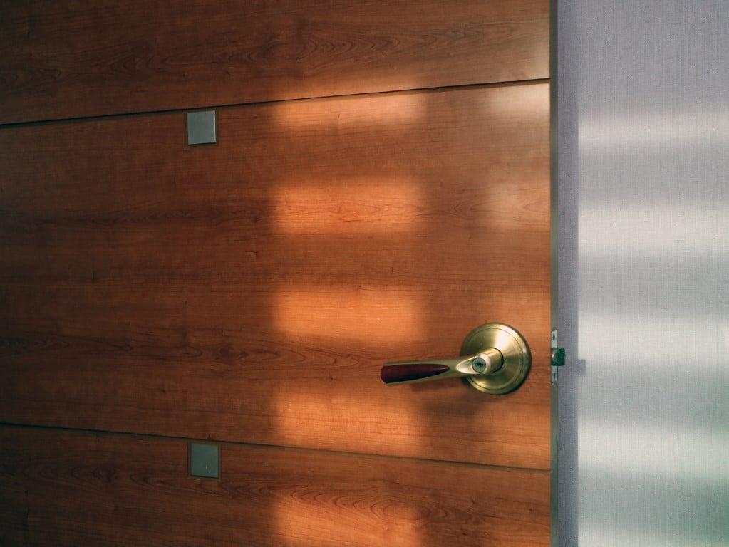 remplacement de la porte d'entrée