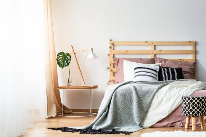 Comment fabriquer une tête de lit en palette
