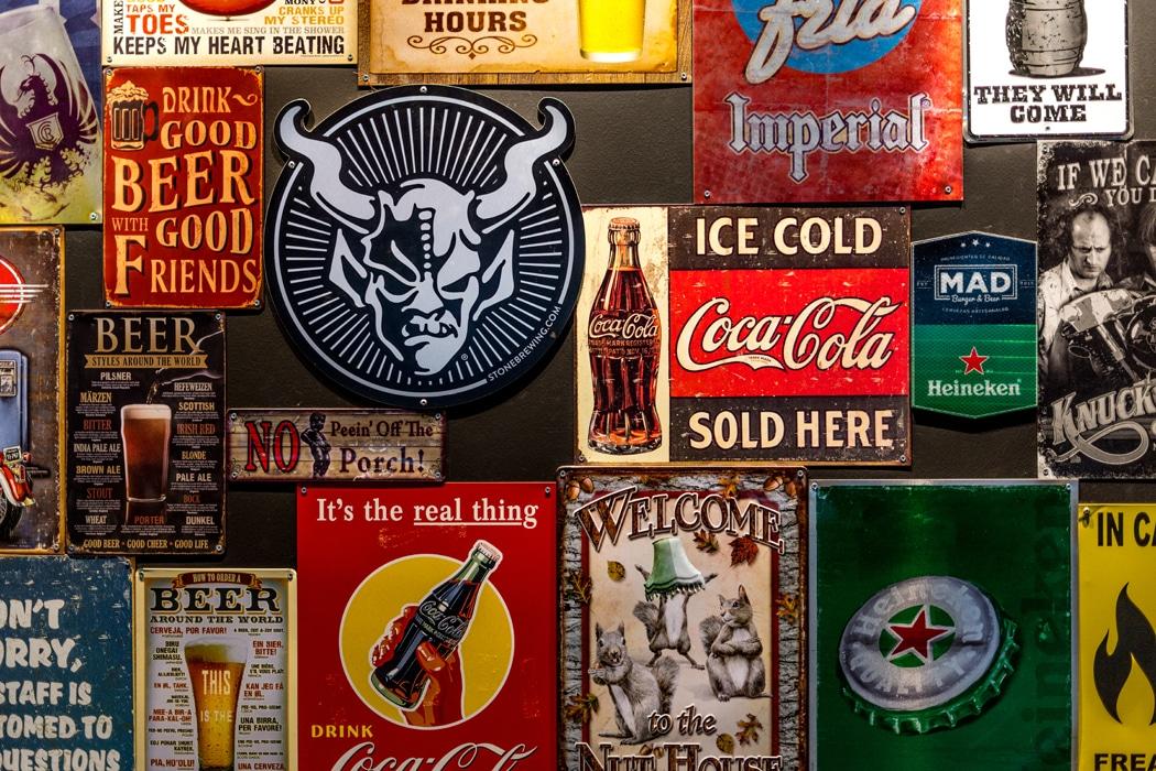 panneaux-publicitaires-vintages-loft-new-yorkais