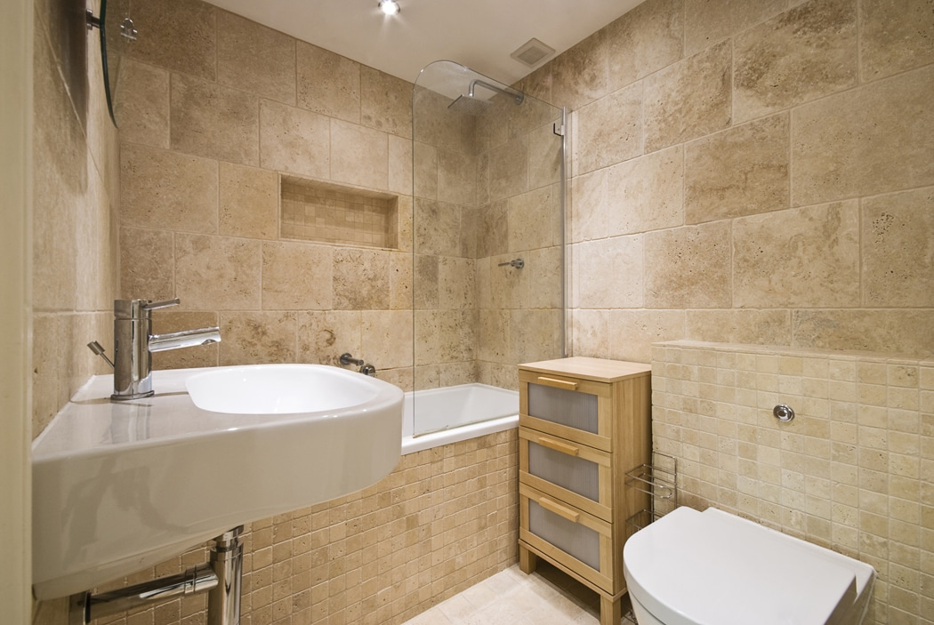 salle de bain travertin