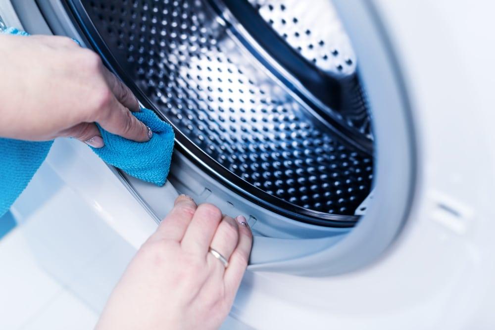 enlever la mauvaise odeur dans le lave linge